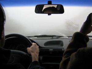 DIRIGIR SOB NEBLINA: Quais cuidados tomar para evitar acidentes?